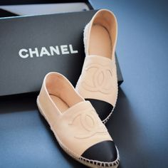 Snygga espadrillos ifrån Chanel