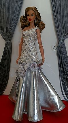 Barbie Gowns, Barbie Dress, Barbie Clothes, Barbie Style, Frocks For Girls, Girls Dresses, Barbie Fashionista Dolls, Diy Barbie Furniture, Fairytale Gown