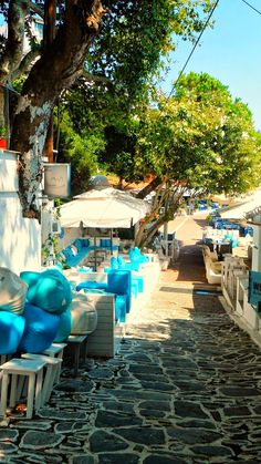 Lane Ways and Alleys in Greece's exterior décor. The Places Youll Go, Great Places, Places To Go, Skiathos Island, Places In Greece, Ancient Greece, Greece Travel, Beautiful Islands, Greek Islands
