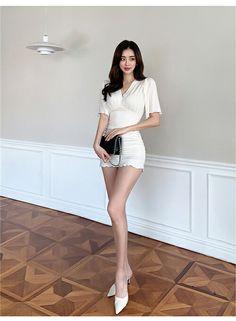 Asian Model Girl, Asian Girl, Beautiful Asian Women, Beautiful Legs, Fashion Beauty, Womens Fashion, Korean Beauty, Asian Woman, Cool Girl