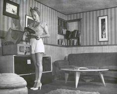 Retro 1940's Hi-Fi Girl