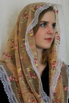 NEW-Floral-Lace-Infinity-Chapel-Veil-Mantilla-Head-Covering-Latin-Mass-FREESHIP