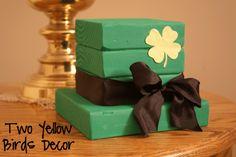 Two Yellow Birds Decor: Leprechaun Wood Hat St Patrick's Day decor DIY (tutorial)
