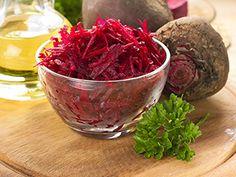 Chutná červená řepa má velké využití v kuchyni; můžete ji použít při přípravě salátů, vaření polévek, boršče nebo k přípravě pomazánek, slaných buchet a koláčů nebo ji můžete sterilovat. Možnosti využití řepy při vaření jsou doopravdy rozsáhlé, stačí se jen podívat na množství receptů z červené řepy, které najdete na těchto stránkách nebo ji můžete použít všude dle své fantazie... Mezi nejznámější klasiku patří salát z řepy a boršč, ale existují i jiné recepty, které jsou velmi chutné…