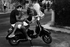 people vespa's in italy | Italian couple on Vespa (via tosiaf )