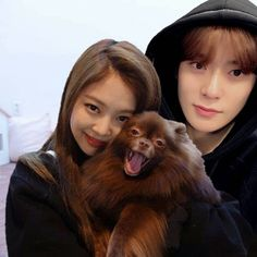 Kpop Couples, Teen Couples, Zen, Matching Hoodies, Jaehyun Nct, Kim Jennie, Imagines, Chara, Nct 127