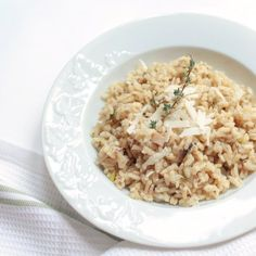 Creamy risotto with mushrooms & fresh thyme. [recipe in Greek with translator]