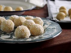 petite kitchen: raw lemon and coconut truffles