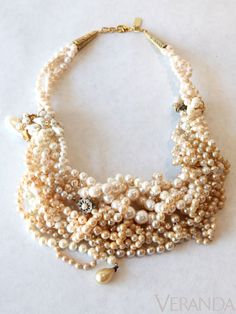 Pearl-gold cluster necklace from Beige