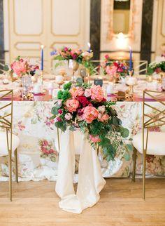 La Tavola Fine Linen Rental: Maya White | Photography: Rachel Havel, Planning & Design: Grace & Gather Events, Venue: The Broadmoor, Floral Design: Newberry Brothers, Furntiure: Yonder Floral & Decor