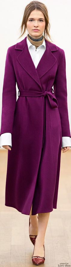 Escada Fall 2015 Ready-to-Wear - violet coat - love this colour! Formal Coat, 80s Fashion, Womens Fashion, Purple Coat, Plum Purple, Magenta, Look Casual, Autumn Winter Fashion, Fall Winter