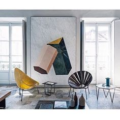 Apartment for Gabriele Salvatori of Salvatori Stone, in a 200 year old building in Milan, designed by Elisa Ossino Studio. That marble artwork is just 👌🏻👌🏻 .. . . #milan #milano #apartment #interiordesign #marble #art #interiors #interiordecor #italy #elisaossinostudio #designstudio #salvatoristone #salonedemobile2017 #salonedemobile