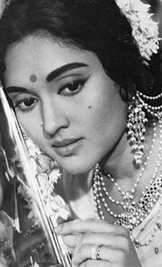 Vyjantimala Indian Film Actress, Old Actress, Beautiful Indian Actress, Beautiful Actresses, Indian Actresses, Beautiful Women, Bollywood Couples, Bollywood Cinema, Bollywood Stars