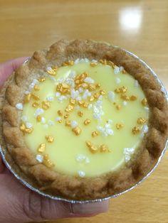 Mr Kipling's Lemon Bakewell :D