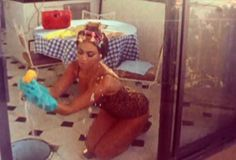 Nice gloves Beyonce cleaning the windows in Why Don't You Love Me
