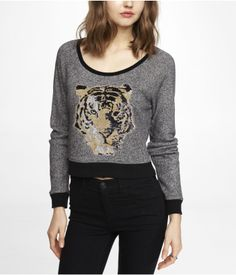 CROPPED GRAPHIC SWEATSHIRT - SEQUIN TIGER   Express