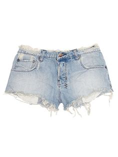Walk in My Closet's Ambre Dahan Reveals Her Malibu Suitcase - Ksubi Distressed Denim Shorts Distressed Denim Shorts, Walk In My Closet, Alexander Mcqueen Bracelet, Ripped Shorts, Short Shorts, Cutoffs, Jean Shorts, Low Rise Shorts, Fashion Articles