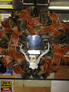 Camo deco mesh wreath with deer antlers - for daddy! Antler Wreath, Burlap Wreath, Baby Shower Camo, Fall Decor, Holiday Decor, Camo Baby Stuff, Deer Antlers, Deco Mesh Wreaths, Diy And Crafts