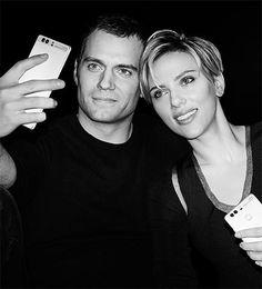 Henry Cavill et Scarlett Johansson représentent le Huawei P9 -