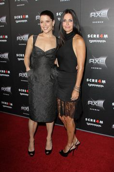 Courteney Cox and Neve Campbell hit the Scream 4 premiere