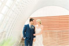 Summer Kimmel Center Wedding in Philadelphia by Hillary Muelleck Photography || hillarymuelleck.com