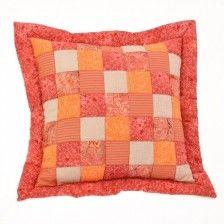 Patchwork povlaky na polštáře MIXFACTORY Pot Holders, Throw Pillows, Scrappy Quilts, Toss Pillows, Hot Pads, Cushions, Potholders, Decorative Pillows, Decor Pillows