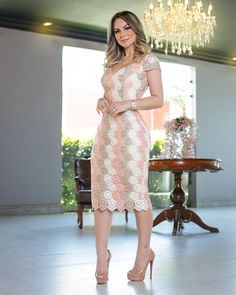 Modelo ebamvelicos Types Of Dresses, Cute Dresses, Beautiful Dresses, Summer Dresses, Blake Lively Body, Dress Outfits, Fashion Outfits, Womens Fashion, Lace Dress Styles