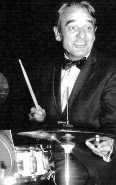Gene Krupa using a Bob Grauso snare drum    badge2.jpg    http://jazzlegends.ning.com/forum/topics/bob-grauso-14x5wmp-snare-drum