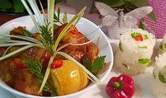 Vietnamský karamelizovaný bůček (Thịt kho tàu ) Mashed Potatoes, Beef, Chicken, Ethnic Recipes, Food, Whipped Potatoes, Meat, Smash Potatoes, Essen