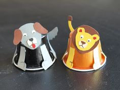 Hund und Löwe aus Kaffeekapseln Diy Upcycling, Recycling, Mail Art, Birthday Candles, Boy Or Girl, Projects To Try, Kids, Kindergarten, Closet