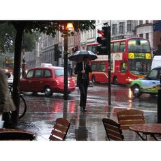 London Rainy Day ❤ liked on Polyvore featuring backgrounds, pictures, london, places and rain