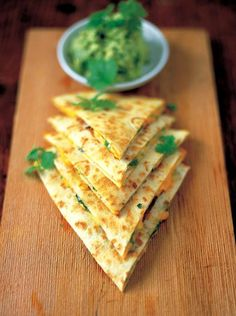 quesadillas with guacamole. Guacamole is too watery and not very flavorful. If making this recipe again, use a previous quacamole recipe. Quesadillas, though straightforward were good. Vegeterian entree aint makin' your guacamole right! this sounds good. Mexican Food Recipes, Vegetarian Recipes, Cooking Recipes, Healthy Recipes, Yummy Recipes, Think Food, Love Food, Comida Latina, Dim Sum