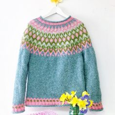 Fair Isle Knitting Patterns, Icelandic Sweaters, Knitting Wool, Sweater Design, Crochet Cardigan, Crafts, Shopping, Color, Fashion