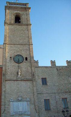 Macerata la torre civica di Potenza Picena