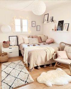 Cute Room Decor, Teen Room Decor, Room Ideas Bedroom, Small Room Bedroom, Ikea Bedroom, Bedroom Inspo, Modern Bedroom, Apartment Bedroom Decor, Bedroom Wall