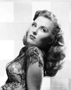 beverly tyler | 1946 | #vintage #1940s #hair #makeup
