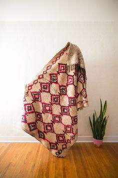 [SOLD] DOCTOR EVIL [AKA LITTLE PINKY] : vintage berber carpet