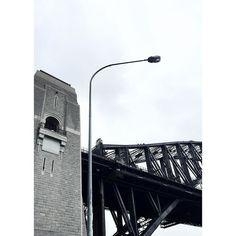 Shades of grey   #architecture #design #landmark #cool #bridge #grey #details #white #sky #cloud  #sydney #sydneyharbourbridge  #悉尼 #建筑业 #悉尼海港大桥 #地标建筑 #设计 #酷的 by rasmuspetersloth http://ift.tt/1NRMbNv