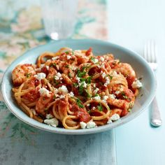 You'll love the depth of flavour in our Linguine with Tomatoes, Prawns and Feta Cheese recipe - delicious!