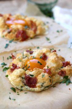 cloud breakfast egg recipe | www.alifeofgeekery.co.uk