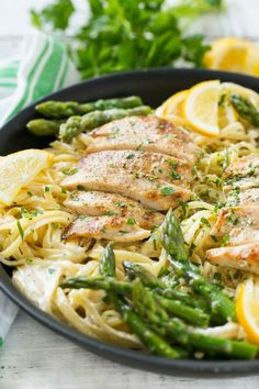 This recipe for Lemon Asparagus Pasta with Grilled Chicken from Dinner at the Zoo combines tender asparagus and grilled chicken with pasta in the most delicious lemon cream sauce! It's a delicious dinner that your Pasta Recipes, Dinner Recipes, Cooking Recipes, Healthy Recipes, Recipe Pasta, Dinner Ideas, Skillet Recipes, Grilling Recipes, Delicious Recipes