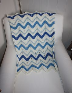 """Ravelry: Project Gallery for b16-24 Crochet blanket with zigzag pattern in """"Alpaca"""" pattern by DROPS design"""