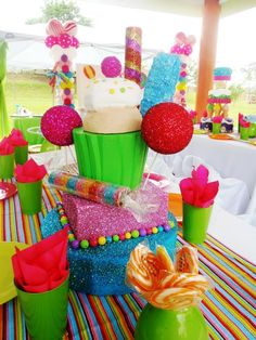 Party decoration candyland - the green cups with tissue paper