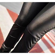 Calça Legging  Falso Couro Preta Frete Grátis Super Promo - R$ 79,90