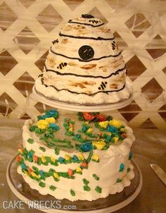 Wedding Cake Fails That'll Make You Feel Sorry for the Bride and Groom 14th Birthday Cakes, Funny Wedding Cakes, Funny Cake, Cake Wrecks, Cake Makers, Wedding Planning Websites, Let Them Eat Cake, Amazing Cakes, Cake Decorating
