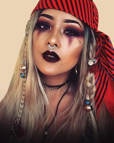 41 Make-up-Ideen Piratenkostüm Halloween-Ideen 41 Ideas makeup halloween pirate costume ide. - 41 Make-up-Ideen Piratenkostüm Halloween-Ideen 41 Ideas makeup halloween pirate costume ideas, # - Halloween Makeup Pirate, Pirate Halloween Costumes, Halloween Makeup Looks, Halloween Outfits, Halloween Make Up, Pirate Hair, Female Pirate Costume, Diy Pirate Costume For Women, Pirate Woman