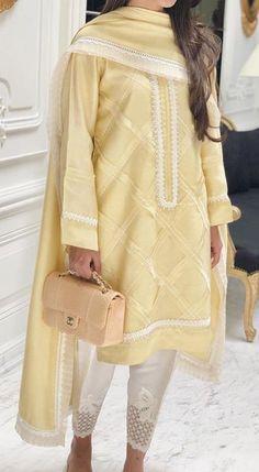 Pakistani Casual Wear, Latest Pakistani Dresses, Pakistani Dress Design, Pakistani Outfits, Kurta Designs Women, Kurti Neck Designs, Kurti Designs Party Wear, Stylish Dress Designs, Stylish Dresses For Girls