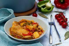 Cuisses de poulet aux poivrons, tomates et pommes de terre en cocotte Thai Red Curry, Meal Prep, Pasta, Cooking, Ethnic Recipes, Danette, Food, Tortellini, Dit