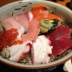 海鮮丼。ここでのランチはお刺身。 - @atsushi129- #webstagram