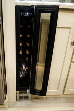 You can fit 6 of your very favorite vintages in this wine cooler. Just another customizable option for our Luxe luxury fifth wheels! Fifth Wheel Living, Luxury Fifth Wheel, Luxury Rv, 5th Wheels, Rv Living, Wine, Design